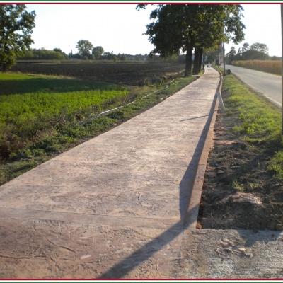 Marciapiede pedonale in cemento stampato anti erbaccia