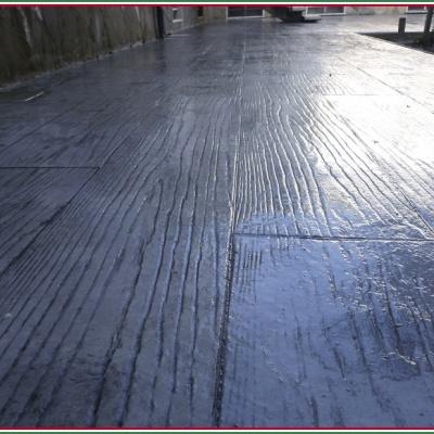 Venature assi legno realizzate con cemento e resina per pavimenti