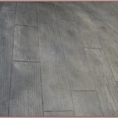 Monoblocco di calcestruzzo effetto legno per esterni di facile manutenzione
