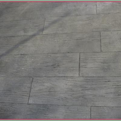 Cemento effetto legno per cortile