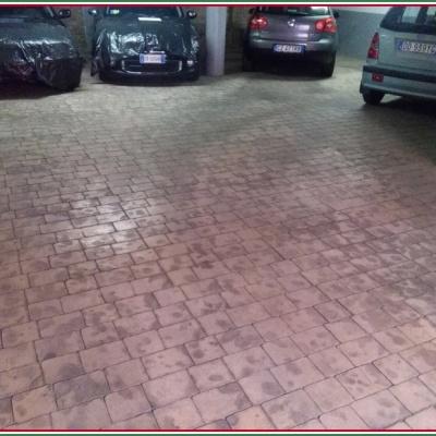 Monoblocco di cemento per garage auto