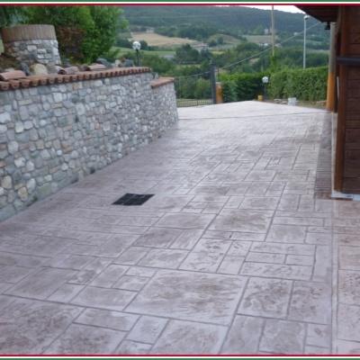 Effetto pietra con cemento stampato a Piacenza in tante colorazioni
