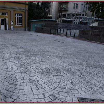 Monoblocco di cemento senza fughe per pavimentazione esterna