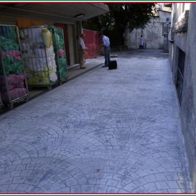 Pavimentazione stradale in cemento stampato resistente agli agenti atmosferici