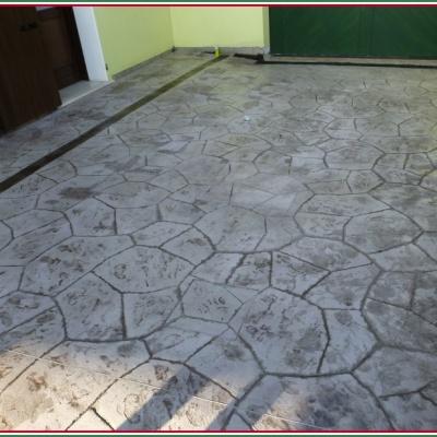 Pavimento per esterno in cemento stampato carrabile resistente al gelo