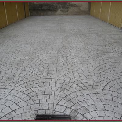 Cemento stampato per pavimentazione garage molto resistente al peso