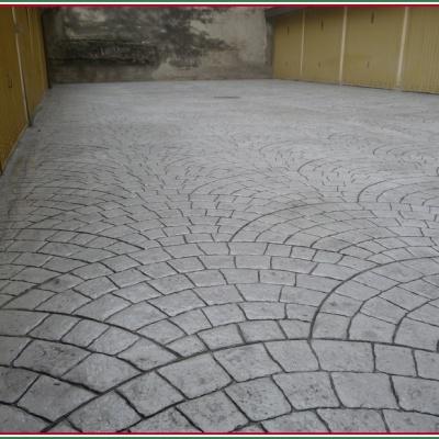 Pavimentazione garage a Piacenza in calcestruzzo stampato simile al porfido