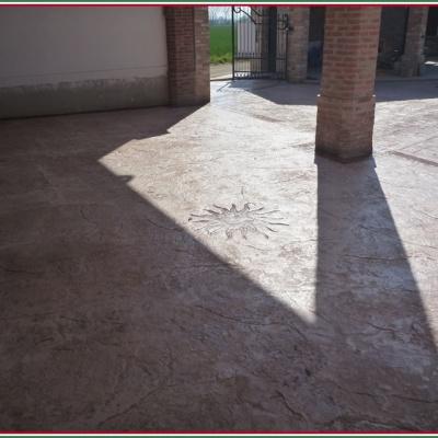 Poerico in cemento stampato con disegno sole