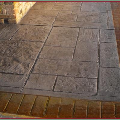 Pavimento per esterno abitazione in cemento stampato effetto mattone e pietra