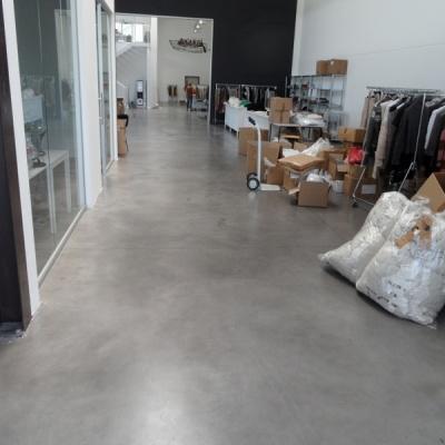 Pavimento per interni magazzino in cemento nuvolato a Lodi