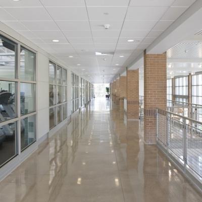 Cemento levigato lucido per pavimenti palestra a Lodi