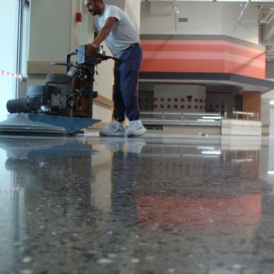 Lucidatura pavimenti in cemento per interni a Parma