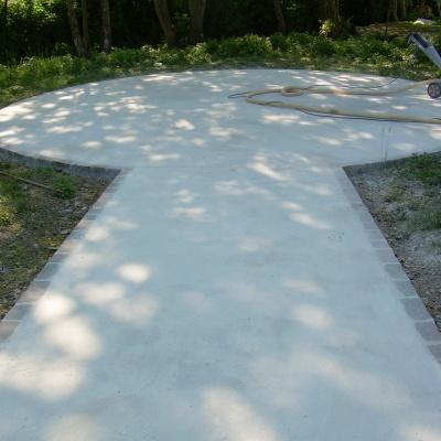Pavimentazione esterna viale giardinetti a Crema in cemento
