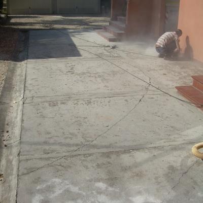 rinnovo cortile abitazione con cemento spruzzato a parma