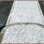 Marciapiede in ghiaino lavato bianco a Piacenza